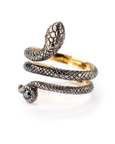 Sylva & Cie Snake Ring: oh god a perfect wedding band for a tattoo'd mom.