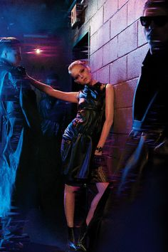 """acupofteawithmy: """"things-u-people-wouldnt-believe: """" Emma Stone Blade Runner Inspired Photoshoot. Blade Runner, Harrison Ford, Ryan Gosling, Emma Stone Interview, Actress Emma Stone, Neon Noir, Image Film, Templer, Vogue"""