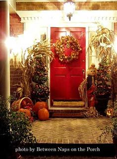 Google Image Result for http://www.front-porch-ideas-and-more.com/images/fall-decorated-porch-2.jpg