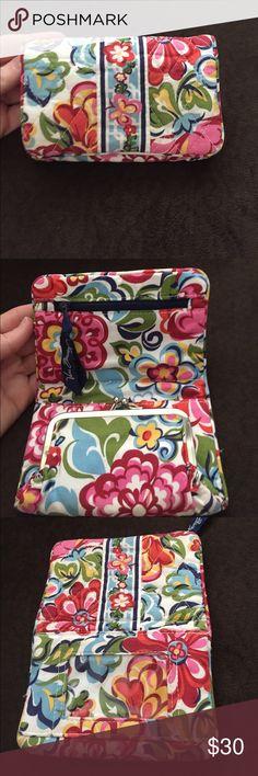 Vera Bradley Wallet Vera Bradley floral wallet Vera Bradley Bags Wallets