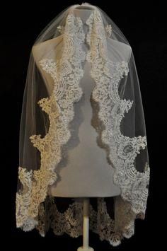 Ivory Fingertip Lace Wedding Veil with Real by WeddingVeilCompany