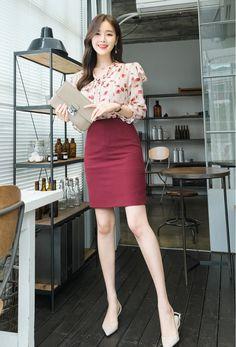 Korean Fashion Dress, Ulzzang Fashion, Kpop Fashion Outfits, Girls Fashion Clothes, Mode Outfits, Asian Fashion, Workwear Fashion, Fashion Blogs, Style Clothes