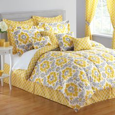 light silvery grey paint on the walls, love the yellow, would go great, thinking of redoing the bedroom. something cheery! Yellow And Gray Bedding, Yellow Gray Room, Grey Room, Yellow Rooms, Home Office Design, House Design, Yellow Home Decor, Indoor Outdoor Furniture, Elle Decor