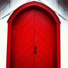 A Strong Red Door Yay or Nay?  Please like, comment, and share! :) <3 I'm also on facebook, find me at www.facebook.com/alovingmom29