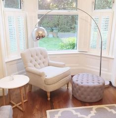 Cafe Style Shutters have transformed this beautiful bay window in a traditional property in Southampton. Bay Window Bedroom, Bay Window Shutters, Bay Window Decor, Bay Window Living Room, Bay Windows, Windows Decor, Master Bedroom, Living Room Seating, Table Seating