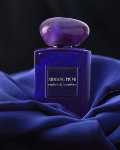 Le parfum clair-obscur d'Armani http://www.vogue.fr/beaute/buzz-du-jour/diaporama/le-parfum-clair-obscur-d-armani/18941