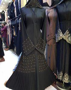 Image may contain: one or more people and people standing Niqab Fashion, Muslim Fashion, Fashion Outfits, Fashion Ideas, Hijab Evening Dress, Hijab Dress, New Abaya Style, Burqa Designs, Mode Abaya