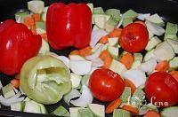 Zacusca de dovlecei(varianta rapida si sanatoasa) - LaLena.ro Stuffed Peppers, Vegetables, Pizza, Food, Romanian Recipes, Canning, Meal, Stuffed Pepper, Vegetable Recipes