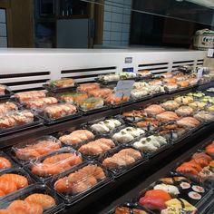Todo este #sushi os está en esperando en el @mercadosananton en nuestro #sushimarket además de nuestro delicioso #Ramen. #Hanakura #Ramenkagura