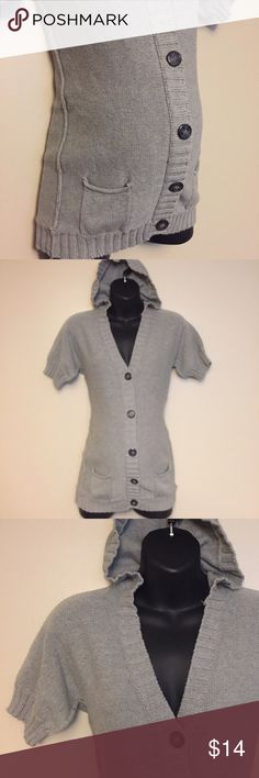 Maternity shorts sleeve sweater cardigan medium Super cute and in excellent condition short sleeve maternity sweater in gray by motherhood maternity. Buttons up in the front like a cardigan and has a hoodie. Size medium and so comfortable! Motherhood Maternity Sweaters