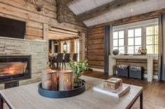 Cottage Renovation, Luxury Cabin, House Inside, Rustic Elegance, Home Staging, Log Homes, Future House, Sweet Home, House Ideas