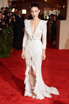 Rooney Mara com vestido Givenchy Couture - Met Ball 2013