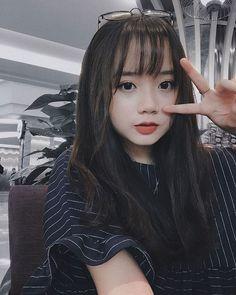 Korean Girl Photo, Cute Korean Girl, Cute Asian Girls, Cute Girls, Cute Girl Poses, Cute Girl Pic, Uzzlang Girl, Girl Face, Korean Beauty Girls