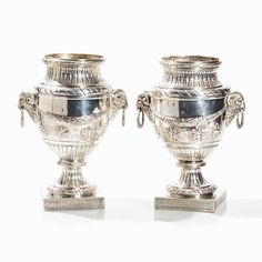 Paar Große Historismus Kratervasen, Silber, Frankreich, 20. Jh. Silber, gegossen, teilweise getrieb — Silber: Sterling, Besteck, Jensen