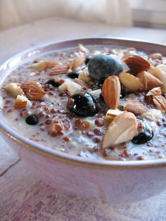 quinoa breakfast pudding w/ coconut milk, blueberries, almonds - sounds yummy!