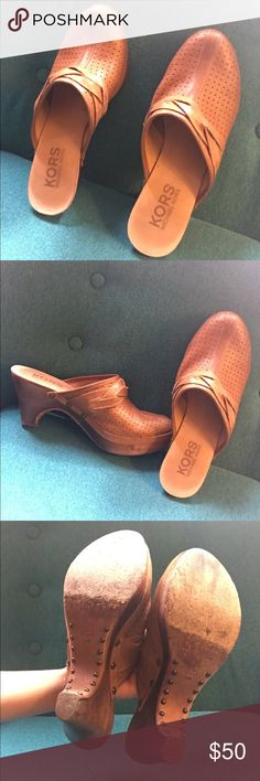 Michael Kors clogs shoes Previously owned. Good condition KORS Michael Kors Shoes Mules & Clogs