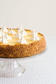 Un dessert frais et acidulé, parfait pour la belle saison! J'ai choisi une version cheesecake citron, en intégrant l'agrume dans l'appareil et en lemon curd