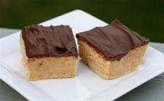SUPER quick and easy No-Bake Peanut Butter Squares!  So addictive!  YUM!    http://www.gotchocolate.com/2012/04/recipe-no-bake-peanut-butter-squares/    #peanut_butter #chocolate #bar_cookies #recipe #easy #quick