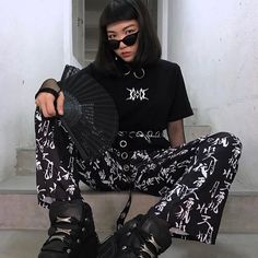 "2,117 Likes, 15 Comments - Oh Hey Girl 💁🏽 (@ohheygirlstore) on Instagram: ""Killlaaa @suhsi.be yassss girl 🔪🔪🔪🔪⛓⛓💣💣 in OHG chinese print trousers and eyelet belt…"""