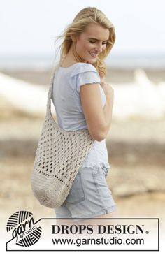 "Carry On - Crochet DROPS shoulder bag with lace pattern in ""Bomull-Lin"" or ""Paris"". - Free pattern by DROPS Design"