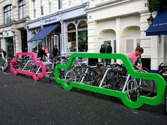 Also known as a bike rack, a bike stand is a device that can securely attach bicycles to it. The bike stands can be designed for indoors as well as outdoors. Car Bike Rack, Bicycle Rack, Bicycle Stand, Velo Design, Bicycle Design, Urban Furniture, Street Furniture, Furniture Nyc, Furniture Dolly