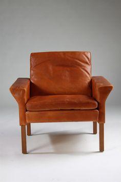 Armchair, designed by Ejnar Larsen and Aksel Bender Madsen for Fritz Hansen, Denmark. 1960's. — Modernity