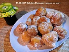 Romanian Desserts, Romanian Food, Cookie Recipes, Dessert Recipes, Cinnabon, Pastry Cake, Sweet Recipes, Food And Drink, Sweets