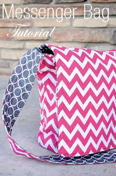 Messenger Bag Tutorial and Pattern. LOVE this fabric combo!! #messengerbag #messengerbagpattern