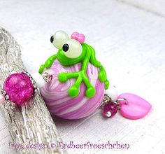 Frog, marble, jewellery, pendant, necklace, charm, clay, glass, bead, paper weight