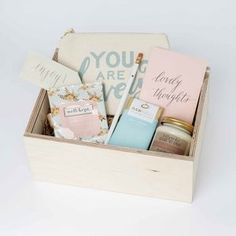 Girly Gift Box - Whether you're buying for a friend, your partner, your mother or your daughter, it's important to get her a gift that she'll really treasure.
