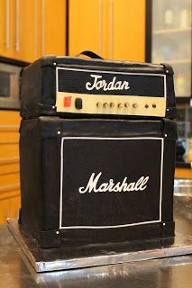 PARTYLISS: Marshall Amp Cake