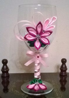 Hey, I found this really awesome Etsy listing at https://www.etsy.com/listing/221590850/wine-glass-with-kanzashi-flower