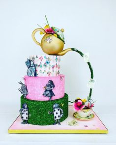 Alice wonderland cake Mad Hatter Cake, Alice In Wonderland Cakes, How To Make Cake, Cake Decorating, Creations, Instagram, Fun, Daily Inspiration, Cupcakes