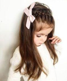 Hairstyles easy Schöne und schöne lange Frisuren für kleine Mädchen Penteados longos bonitos e bonitos para meninas Easy Little Girl Hairstyles, Baby Girl Hairstyles, Cute Hairstyles, Toddler Hairstyles, Hair For Little Girls, Little Girl Braids, Gorgeous Hairstyles, Girls Braids, Young Girls Hairstyles