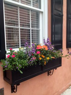 Window Boxes Ideas For Sun. Window boxes can be made from metals, wood or perhaps from solid vinyl or PVC types materials. Each of these has its own distinct features that could create a whole new ambiance to the place where it is being set up. Window Box Flowers, Window Boxes, Flower Boxes, Balcony Grill, Little Gardens, Garden Windows, Garden Inspiration, Garden Pots, Container Gardening