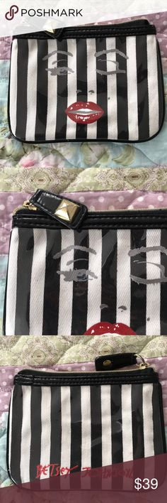 Betsey Johnson makeup case RARE! Betsey Johnson makeup case, super rare! In excellent condition! Zip closure. Betsey Johnson Bags Cosmetic Bags & Cases