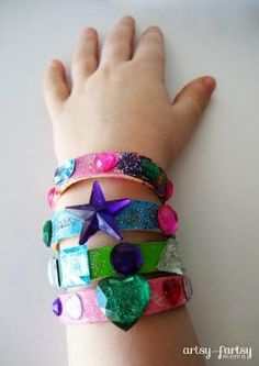 artsy-fartsy mama: Popsicle Stick Bracelets by harriett