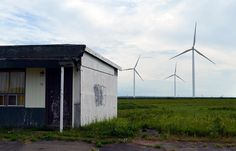 from @evening_redness  Abandoned motel and wind turbines. Amherst N.S.  #pic #picoftheday #photo #photooftheday #instagram #eastcoast #halifaxnoise #nikon #dslr #photography #photographer #outside #abandoned #wind