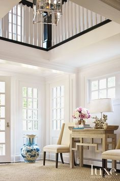 Kat Tanita of With Love From Kat shares her favorite Nantucket Beach house and decor inspiration perfect for coastal living. Style At Home, Fachada Colonial, Halls, Foyer Decorating, Decorating Ideas, Decor Ideas, Foyers, Entry Foyer, Open Entryway