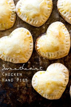 VALENTINE SPECIAL Sweetheart Chicken Hand Pies - Tastes of Lizzy T. Tender, flaky pie crust covering comforting chicken and veggies. Serve these kid-friendly Sweetheart Chicken Hand Pies to your loves this Valentine's Day! Valentines Day Dinner, Valentines Food, Valentine Stuff, Valentine Desserts, Valentine Treats, Valentine Special, Hand Pies, No Cook Meals, Kids Meals
