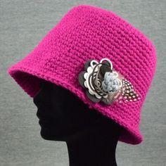 Gorro cloche de crochet en lana estilo años 1920