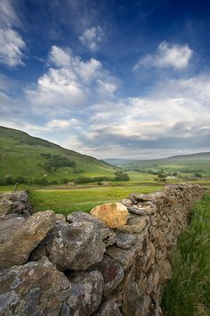 Swaledale, North Yorkshire, England by Pixelda Yorkshire Dales, Yorkshire England, North Yorkshire, Beautiful World, Beautiful Places, Northern England, British Countryside, Country Landscaping, Ireland Travel