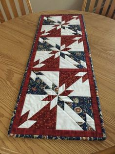 10 FREE Table Runner Quilt Patterns
