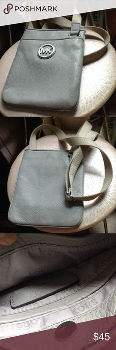 MK gray bag MK gray messenger bag. Great condition KORS Michael Kors Bags Crossbody Bags