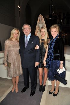 royalwatcher:  At the Valentino exhibit with Marie-Chantal's wedding dress behind them-Marie-Chantal, King Constantine, Princess Maria-Olympia, Queen Anne Marie