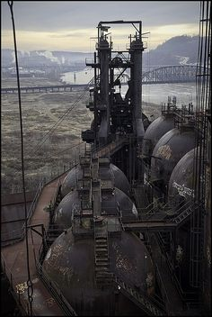 archilista:  Steel Mill hoodwatch© .via abandoned #ARCHIlistais onFBNOW!!!