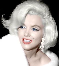 """Marilyn Monroe The night she serenaded President Kennedy. She was, in a magazine's words """"Like a million shimmering diamonds and platinum tossed hair. She oozed sex without trying"""". Hollywood Glamour, Hollywood Stars, Classic Hollywood, Marilyn Monroe, Mae West, Most Beautiful Women, Beautiful People, Divas, Joe Dimaggio"""