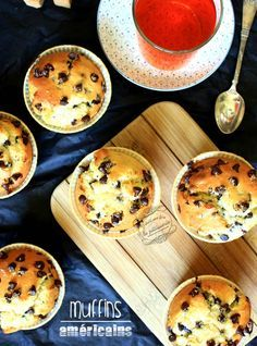 American muffins with chocolate chips Food Morning Glory Muffins, Super Dieta, Easy Desserts, Dessert Recipes, Brownie Desserts, Chocolate Desserts, Desserts With Biscuits, Sweet Cooking, Chocolate Chip Muffins