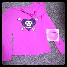 """Zip front hoodie & Avril's Best Damn Thing Album Pink, long sleeve 100% cotton hoodie. Zips open in the front with separate pockets. The back is her signature skull and crossbones heart screen printFront is """"Avril Lavigne"""" tour font. Worn once, washed once, well cared for since. I don't put any of my cottons in the dryercomplimentary: Matching album on CD released in 2007! Avril Lavigne Tops Sweatshirts & Hoodies"""