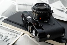 waywrd: Leica and a Moleskine, perfect combination <3 I agree with you…